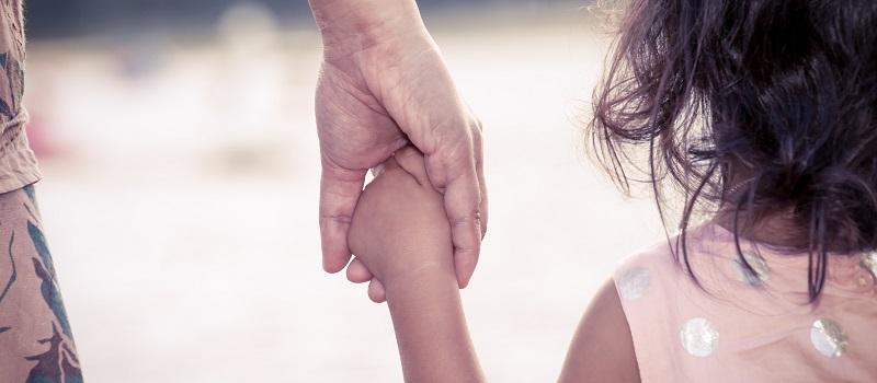La Seguridad Social, procesos de maternidad y paternidad